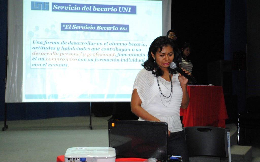 Presentación de la Normativa del Servicio Social a Becados Residentes